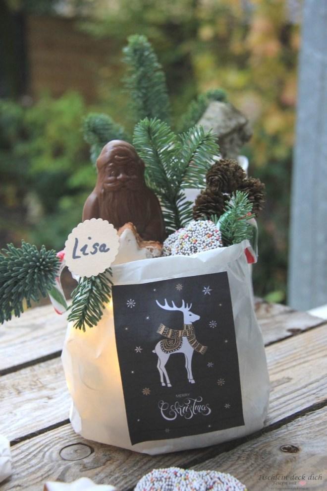 Geschenke weihnachtlich verpacken mit Lichterkette