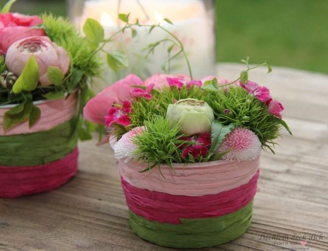 fruehlingshafte Blumendekoration