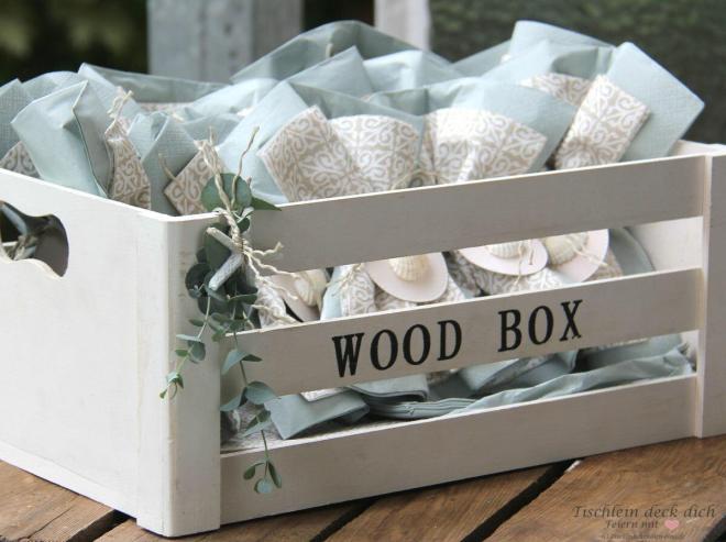Servietten in der Holzbox