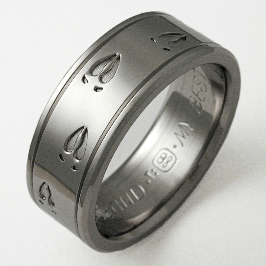 Durango 1 Titanium Ring With Animal Tracks Titanium