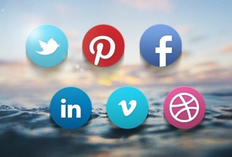 Claire Paoletti's Social Networkd Icon Set PSD