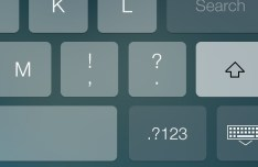 Dark Keyboard For iOS 7 (Retina Ready) PSD
