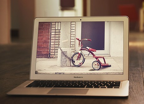 MacBook Air Mockup PSD #2