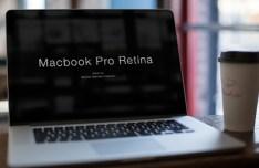Macbook Pro Retina Mockup PSD