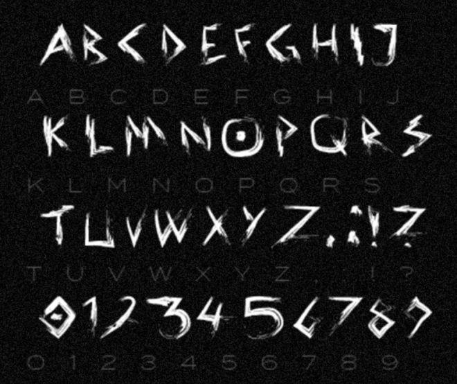 CROOKED Brush Font