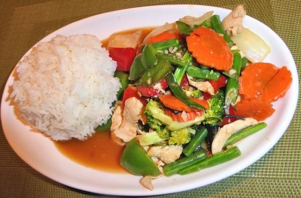 pollo-thai-verdure-ricetta
