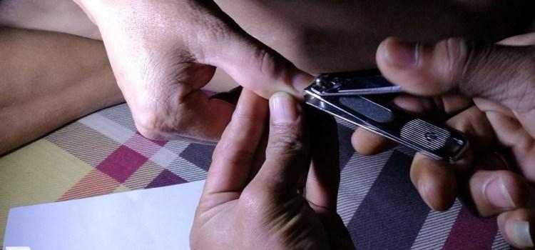 【看見】右手的長指甲