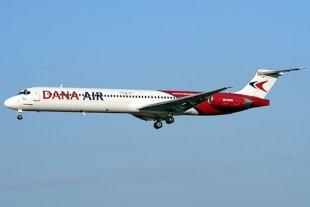Avion MD83