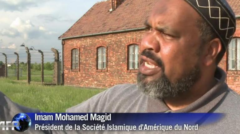 Holocauste : Des Imams prient à Auschwitz
