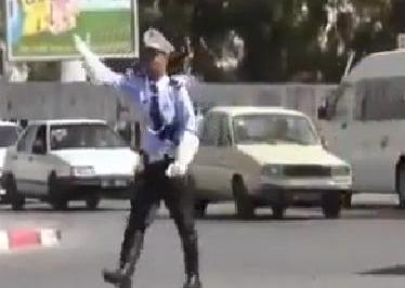 Hommage à un policier de la circulation