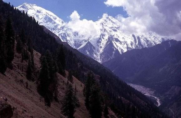 Vue en date du 22 juin 2003 du Nanga Parbat dans l'Himalaya pakistanais (Photo Zulfikar Ali. AFP)