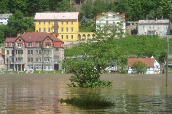 suite-a-des-pluies-torrentielles-en-europe-centrale-des_1231326_660x439