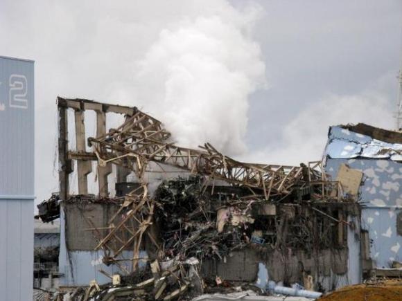 Photo transmise par l'opérateur de Fukushima, Tepco, montrant le réacteur N°3 de la centrale nucléaire après l'accident, le 15 mars 2011 - Photo de - - Tepco/AFP/Archives © 2013 AFP