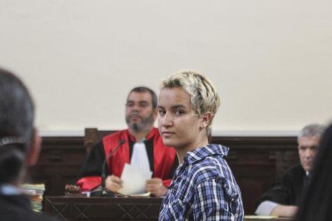 Amina Sboui lors d'une comparution le 4 juillet à Sousse. (Photo stringer. Reuters)