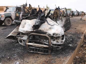 A Mujao pick-up détruits par l'armée française au Mali.