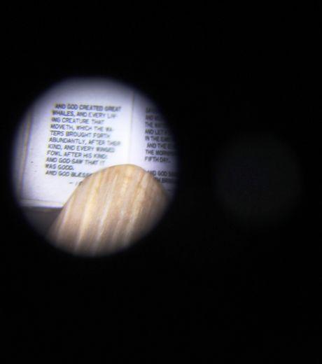ce-micro-livre-servait-de-talisman_131919_w460