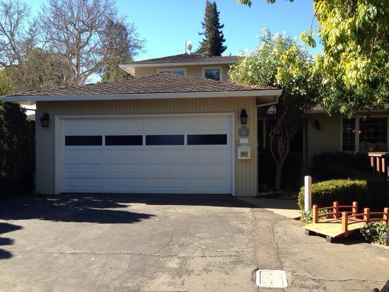 La maison de Menlo Park et garage où fondateurs de Google, Larry Page et Sergey Brin ont l'habitude de travailler.