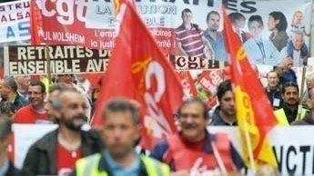 Les travailleurs français prennent aux rues pour contester la réforme des retraites.