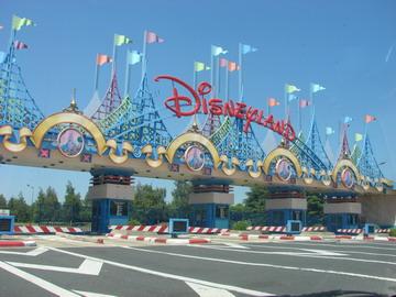Disneyland Paris – le Péage (8 Euros pour les voitures)