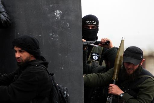 djihadistes avec la patrouille du Front Al-Nusra le village syrien de Aziza, le 4 Avril, 2013
