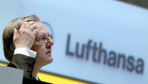 Le chef de compagnie aérienne allemande Lufthansa, Christoph Franz, quittera ses fonctions à la fin de son contrat actuel en mai 2014 pour diriger le conseil d'administration au groupe pharmaceutique Roche