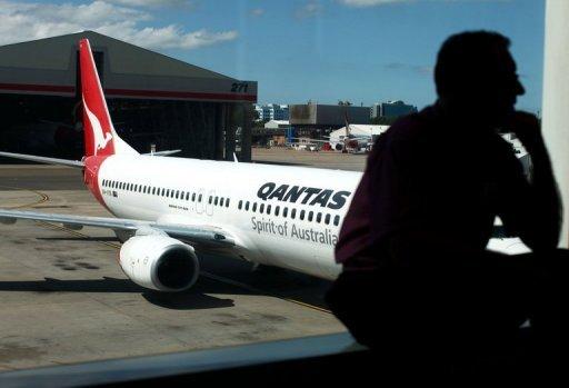 Un petit serpent mince comme un crayon forcé l'échouement d'un vol Qantas à destination du Japon dans la ville australienne de Sydney.