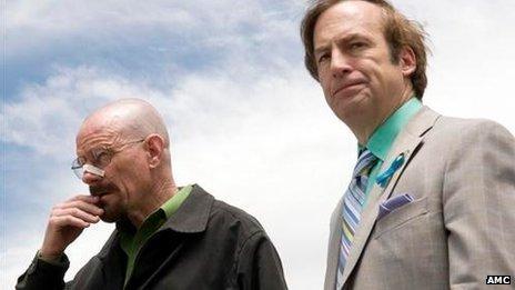 Bob Odenkirk (à droite) tient le rôle avocat Saul Goodman dans Breaking Bad