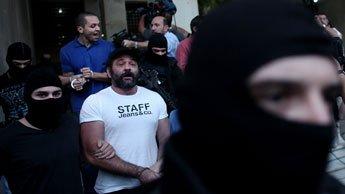 Le quatrième membre du parti Golden Dawn (photo) a été maintenu en détention.