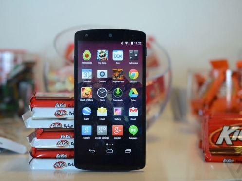 nexus 5 : google et lg sortent le premier smartphone sous android kitkat
