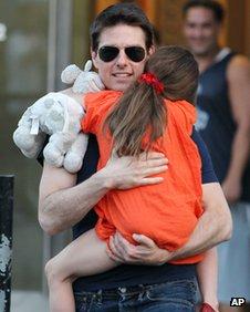 """Tom Cruise dit que lui et sa fille sont """"très proche"""""""