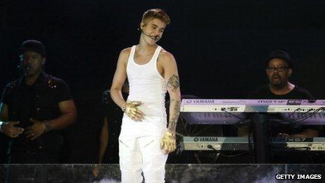 La police brésiliénne ont accusé Justin Bieber de graffiti à Rio de Janeiro
