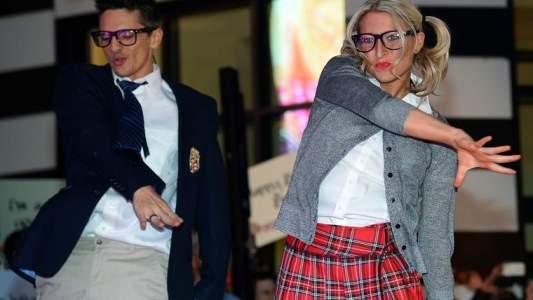 Danseurs qui interprètent un des hits de Britney, Oops! I Did It Again