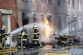 Propagation des flammes provenant du camion qui a pris feu