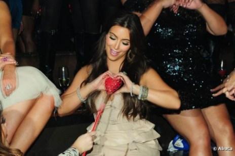Kanye brise le coeur de Kimen la laissant seule le 14 février