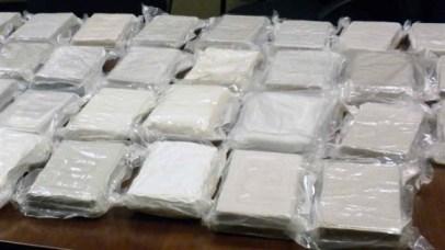 la drogue a été découverte dans des boîtes de métal très bien cachées dans un conteneur