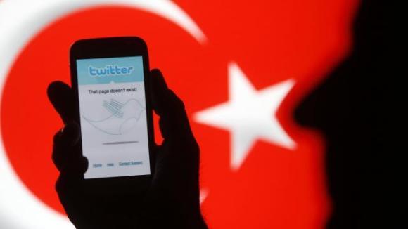 Le blocage de Twitter suspendu par le tribunal d'Ankara.