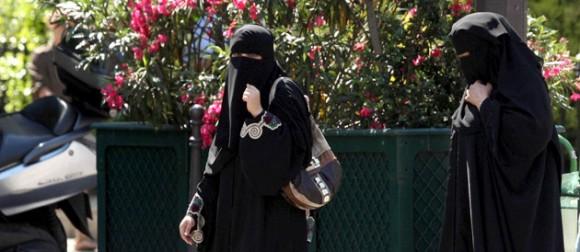 Leila Trabelsi serait entrain de faire son shopping en Niqab