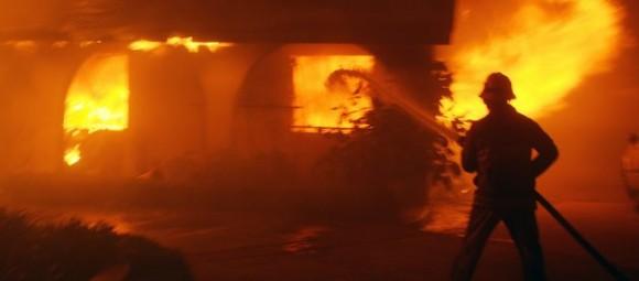 Un incendie ravage une usine de mousse à Sfax