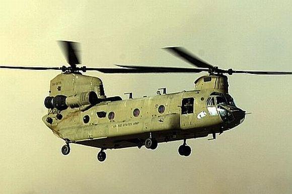 Hélicoptère Chinook: une cible des reoquettes des talibans