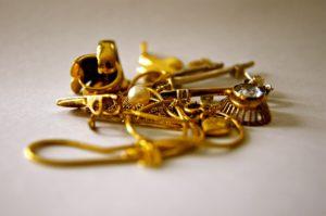 selge gamle smykker