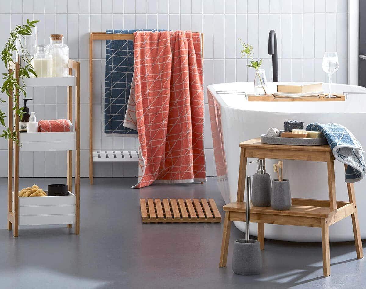 small bathroom storage ideas to