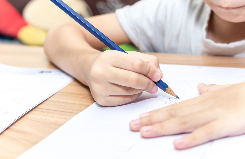 Image of student learning for the primary English tuition page