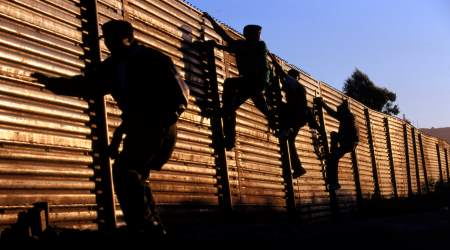https://i2.wp.com/www.tldm.org/news30/illegals-skip-border.jpg