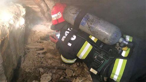 Incendiu izbucnit la o casă în localitatea Horia. FOTO ISU Tulcea
