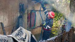 Incendiu izbucnit într-o gospodărie din Mihai Bravu. FOTO ISU Tulcea