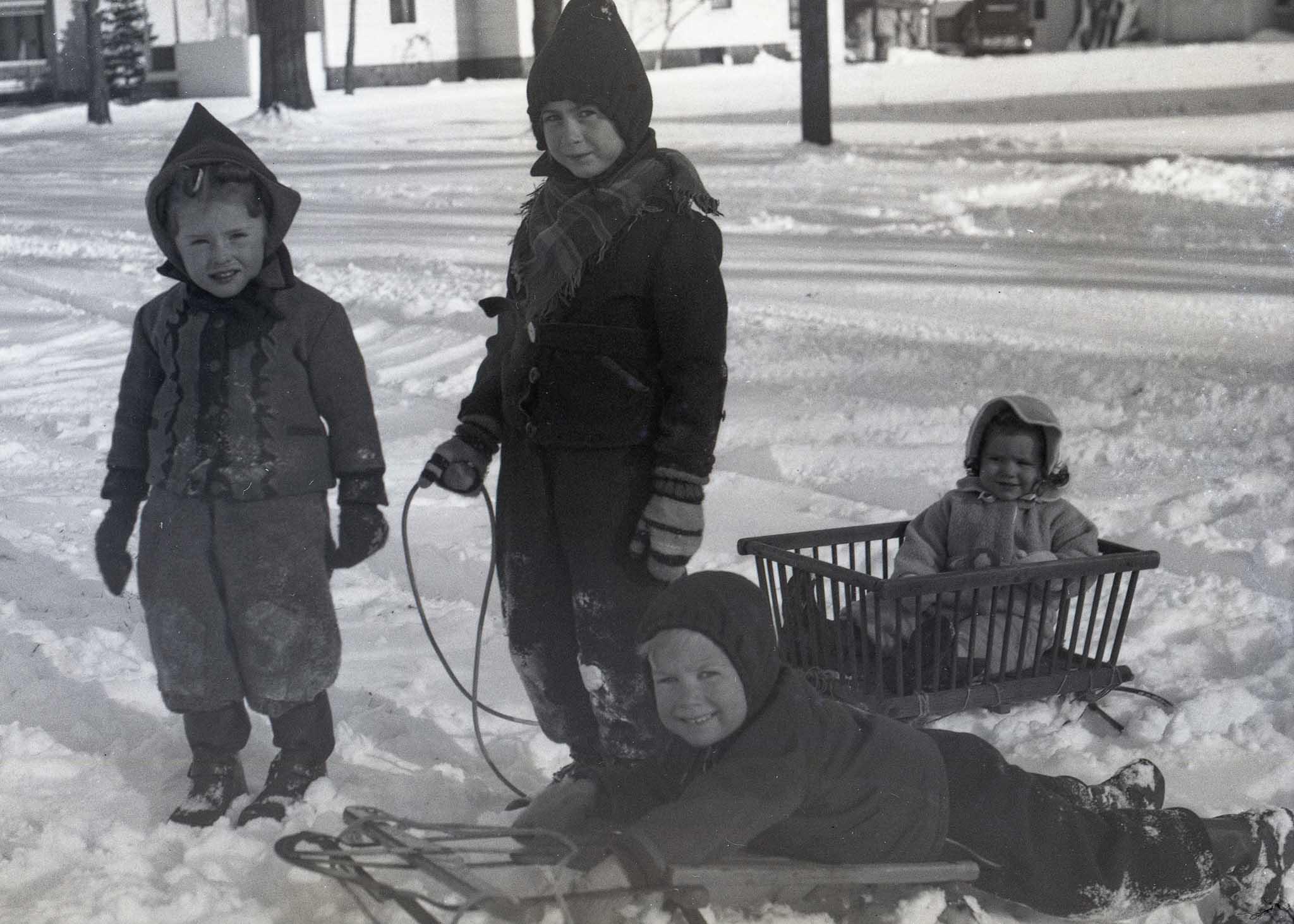 Wilcox Children in the late 1940's