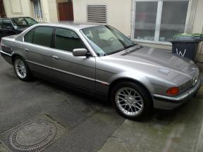 BMW-750i