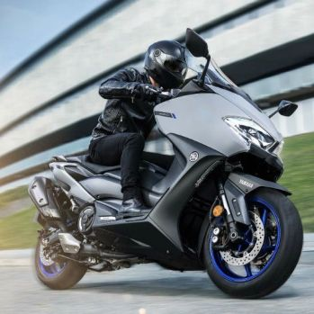 yamaha-unveils-2020-tmax-scooter-5_720x540