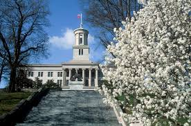 picture of TN State Capitol Bldg amid Bradford pear tree blooms