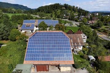224 kWp auf 7 Gebäuden der Gemeinde Horgen. Planung u. Engineering TNC für die Zürichsee Solarstrom AG